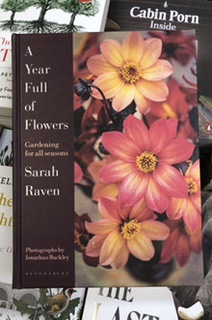 A Year Full of Flowers by Sarah Raven |